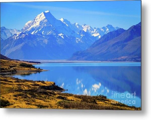 Mount Cook Overlooking Lake Pukaki,  New Zealand Metal Print