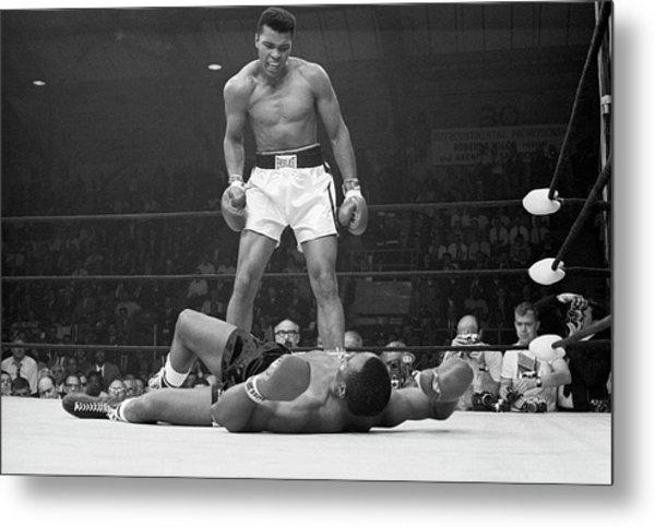 Muhammad Ali Taunting Sonny Liston Metal Print by Bettmann