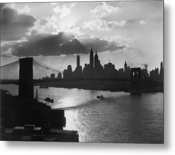 New York Silhouette Metal Print by Hulton Archive