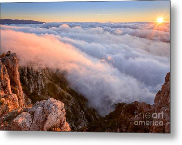 Ocean Of A Cloud And Sky Of Dawn Metal Print