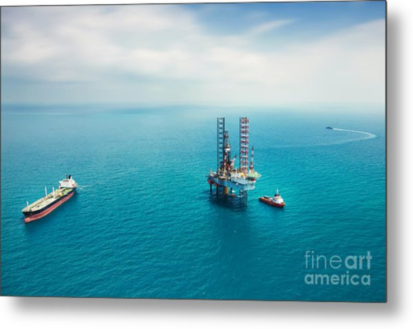 Oil Rig In The Gulf Metal Print