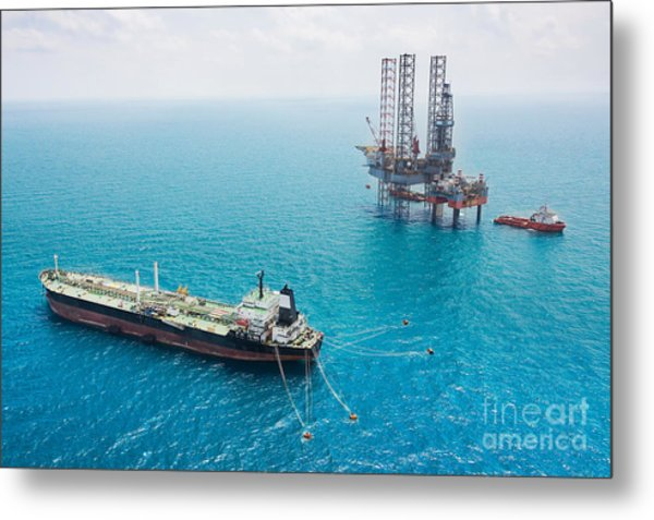 Oil Tanker And Oil Rig In The Gulf Metal Print