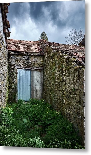 Old Abandoned House In Bainte Metal Print