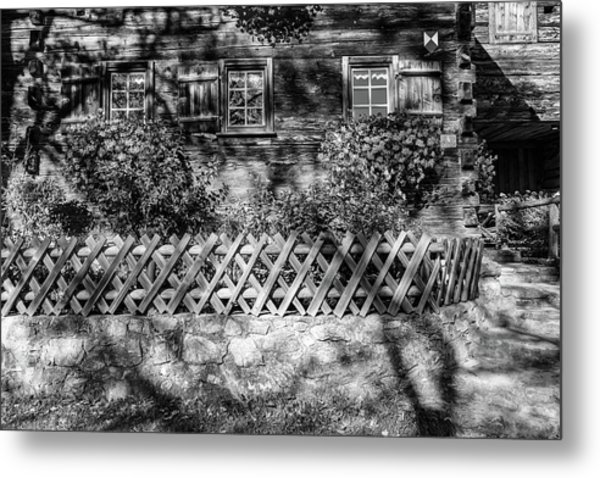 Metal Print featuring the photograph Old Farmhouse by Andreas Levi