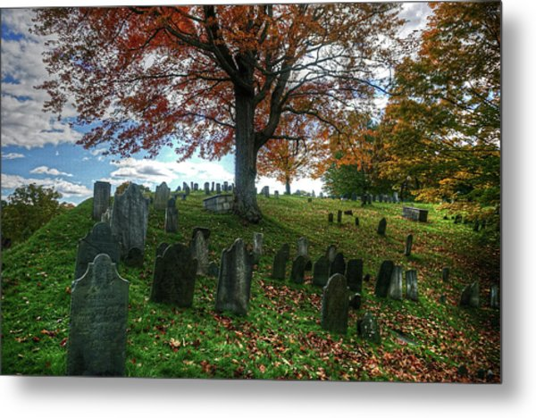 Old Hill Burying Ground In Autumn Metal Print