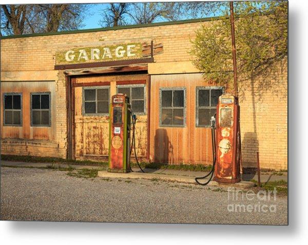 Old Service Station In Rural Utah, Usa Metal Print