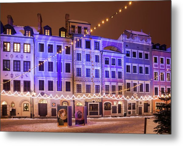 Old Town Houses With Christmas Illumination In Warsaw Metal Print