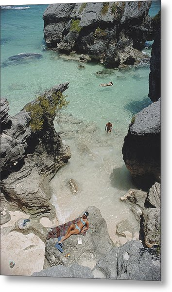 On The Beach In Bermuda Metal Print by Slim Aarons