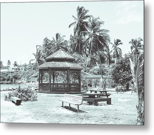 Pagoda On The Sea Metal Print