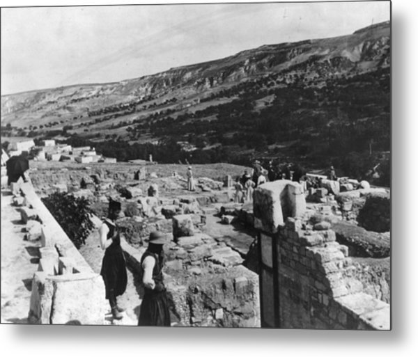 Palace Of Minos Metal Print by Hulton Archive