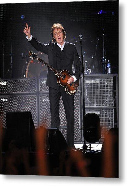 Paul Mccartney Brings The House Down At Metal Print by New York Daily News Archive