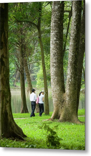 People Walking In Botanic Gardens Metal Print