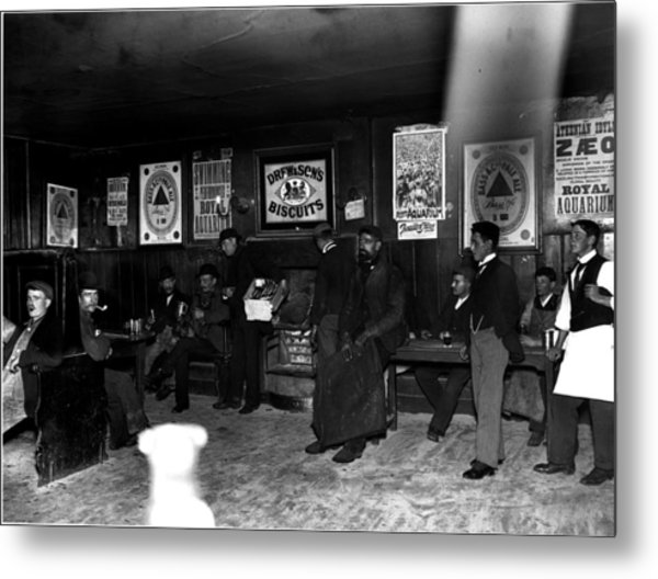 Pub People Metal Print by Reinhold Thiele