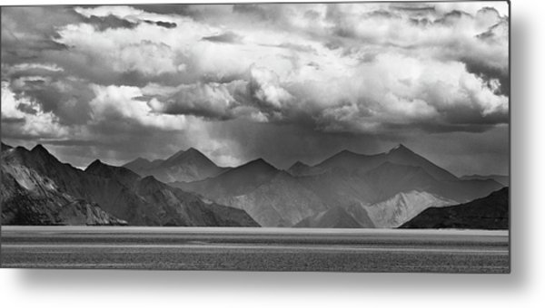 Rains In China Metal Print