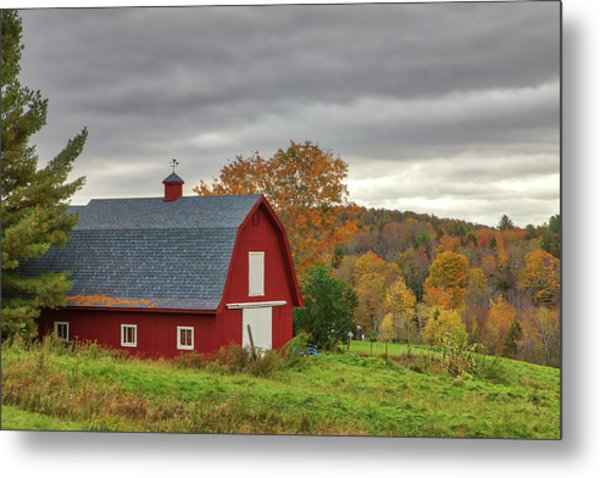 Metal Print featuring the photograph Red Barn by Juergen Roth