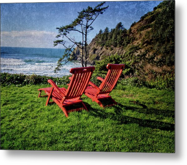 Red Chairs At Agate Beach Metal Print