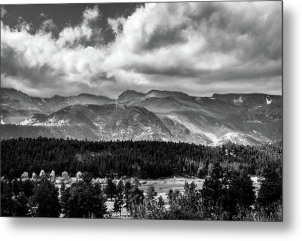 Metal Print featuring the photograph Rocky Foothills Bw by James L Bartlett