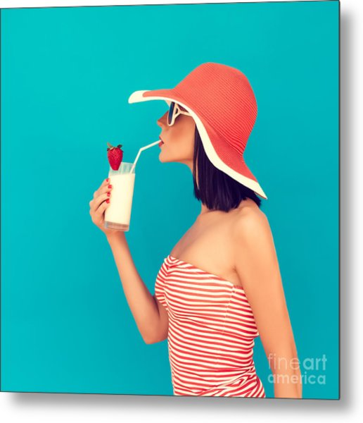 Sensual Girl With A Summer Cocktail Metal Print