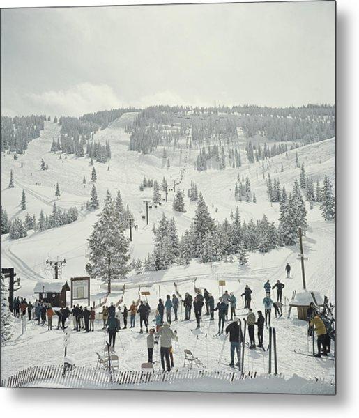Skiing In Vail Metal Print by Slim Aarons