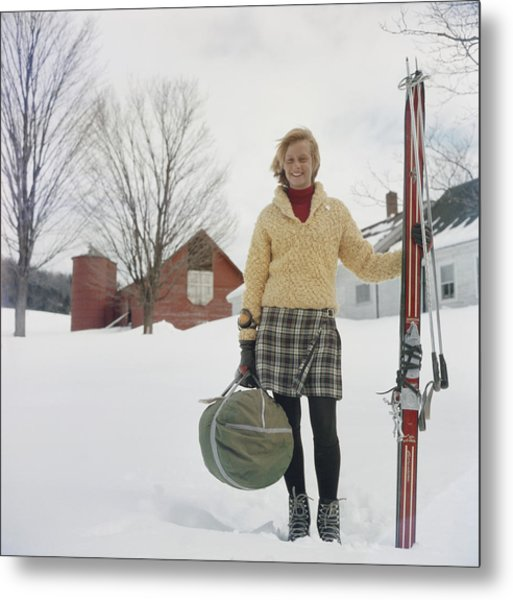 Skiing Waitress Metal Print