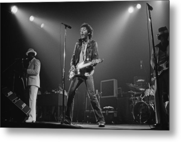 Springsteen Live In New Jersey Metal Print by Fin Costello