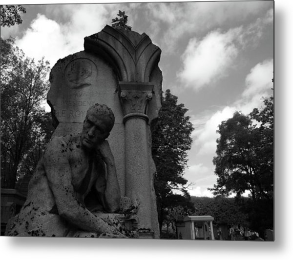 Metal Print featuring the photograph Statue, Pondering by Edward Lee