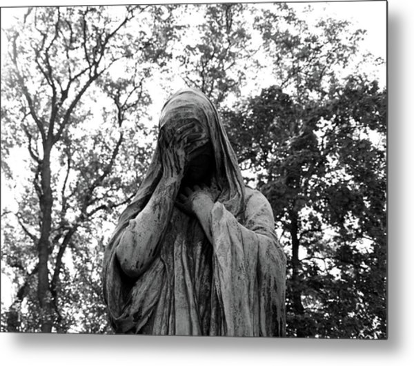 Metal Print featuring the photograph Statue, Regret by Edward Lee