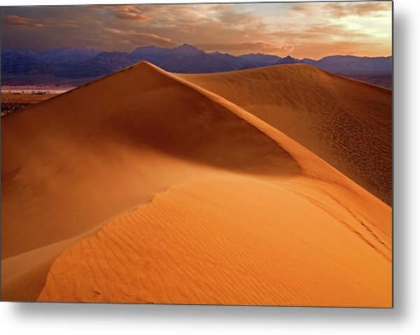 Stovepipe Wells Sunrise Metal Print by Richard Mitchell - Touching Light Photography