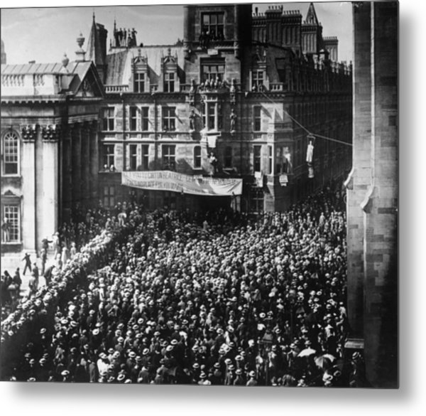 Student Protest Metal Print by Hulton Archive