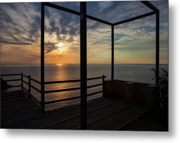Sunrise At The Sea From Old Viewpoint Terrace Metal Print