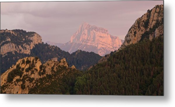 Metal Print featuring the photograph Sunset On Pena Montanesa by Stephen Taylor