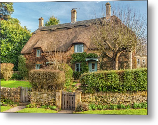 Thatched Cottage In Chipping Campden, Gloucestershire Metal Print by David Ross
