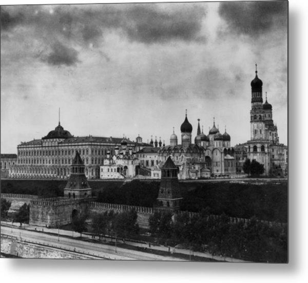 The Kremlin Metal Print by Topical Press Agency