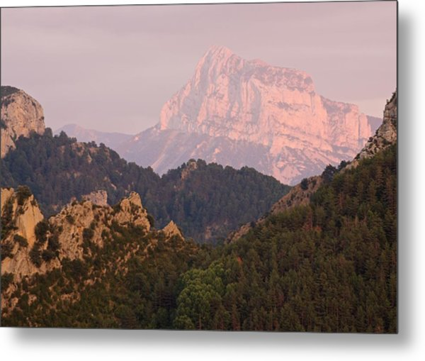 Metal Print featuring the photograph The Last Of The Light At Pena Montanesa by Stephen Taylor
