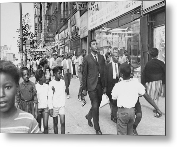 The Pied Piper Of Harlem, Cassius Clay Metal Print by New York Daily News Archive