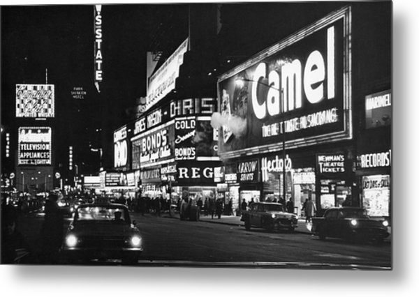 Times Square At Night Metal Print by Fred W. McDarrah