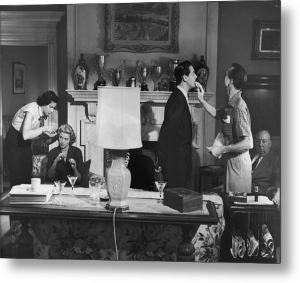 Touch Up Metal Print by Hulton Archive