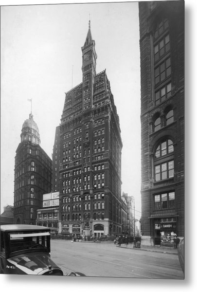 Tribune Building Metal Print by Edwin Levick