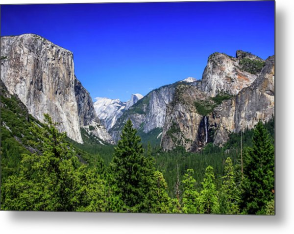 Metal Print featuring the photograph Tunnel View Of Yosemite 2 by Dawn Richards