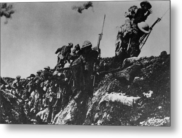 Up And At Em Metal Print by Hulton Archive