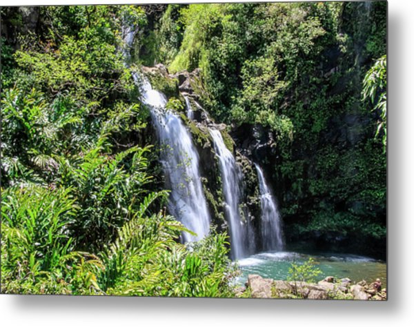 Metal Print featuring the photograph Upper Waikani Falls by Dawn Richards