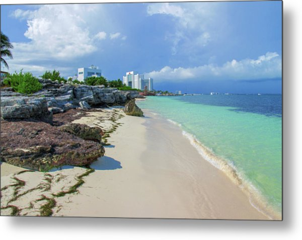 White Sandy Beach Of Cancun Metal Print