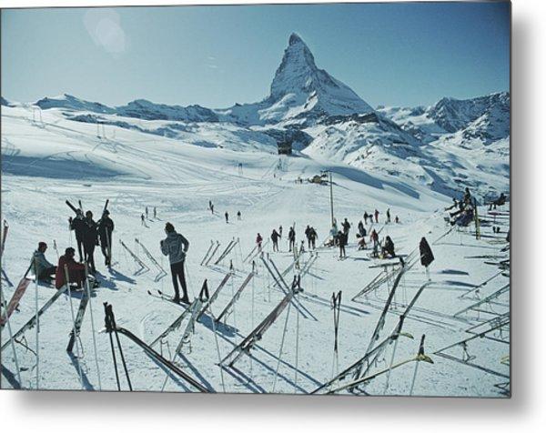 Zermatt Skiing Metal Print by Slim Aarons