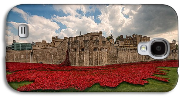 Tower Of London Remembers.  Galaxy S4 Case by Ian Hufton