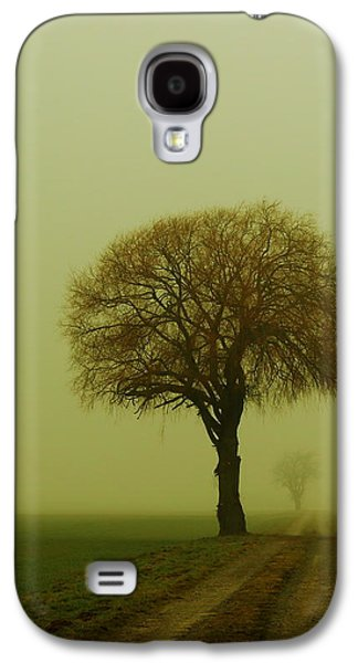 Walk In The Fog Galaxy S4 Case by Franziskus Pfleghart