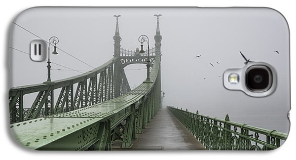 Foggy Day In Budapest Galaxy S4 Case by Ayhan Altun