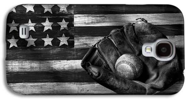 Folk Art American Flag And Baseball Mitt Black And White Galaxy S4 Case