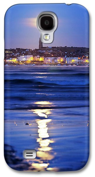 Full Moon Over Coastal Town Galaxy S4 Case by Laurent Laveder
