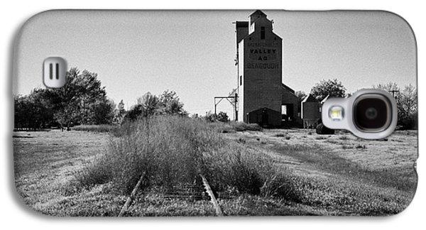 grain elevator and old train track landmark bengough Saskatchewan Canada Galaxy S4 Case