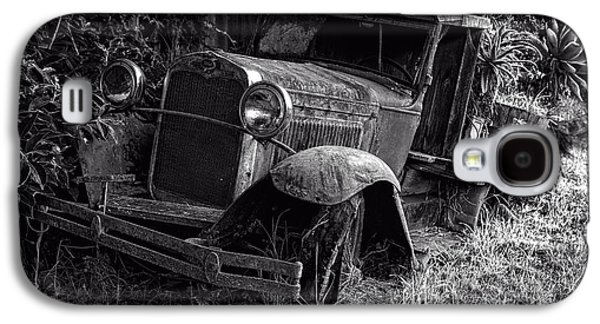 Old Model T Ford In The Jungle Maui Hawaii Galaxy S4 Case by Edward Fielding